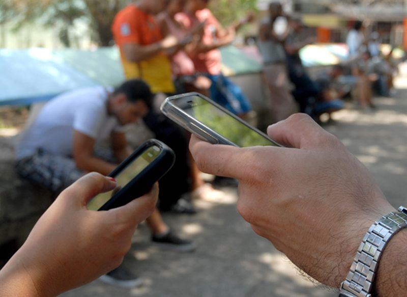 Todo lo que se publique en un móvil es responsabilidad del titular
