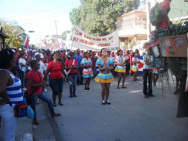 Más 500 mil educadores cubanos marcharán este Primero de Mayo
