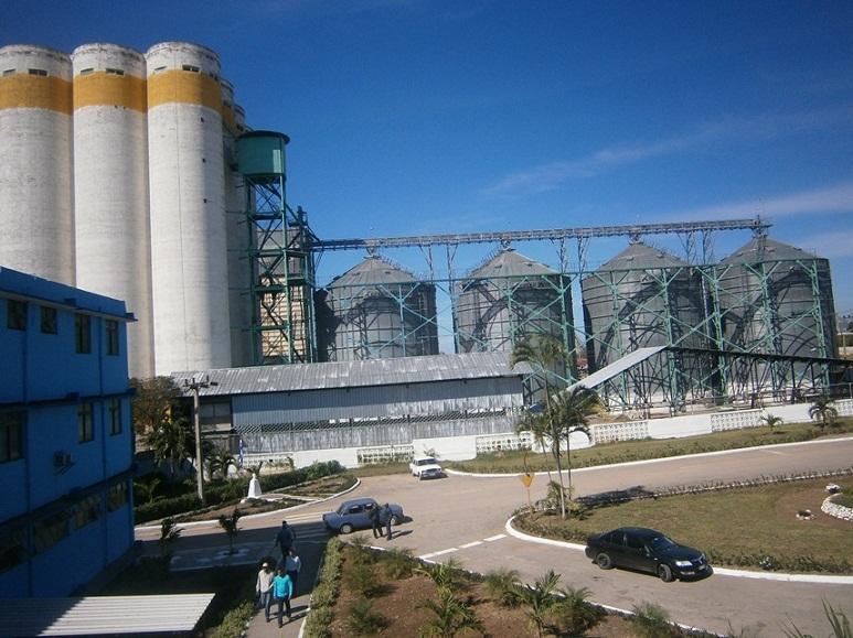 Trabajadores de Industrias al Primero de Mayo. Foto: Mireya Ojeda Cabrera