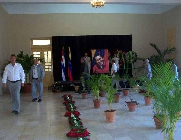 Tributo de los cienfuegueros a Hugo Chávez. Foto Mireya Ojeda