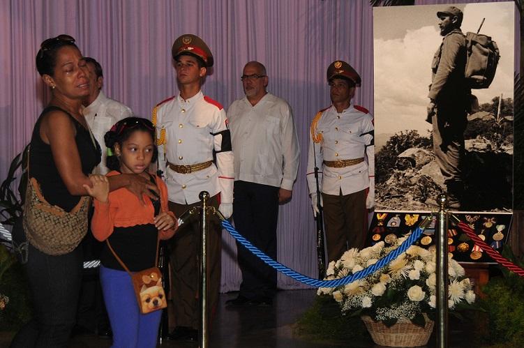 Los cubanos rendimos tributo al eterno Fidel