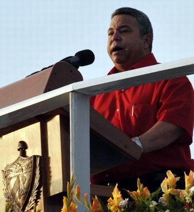 Ulises Guilarte de Nacimiento, miembro del Comité Central del Partido Comunista de Cuba y Secretario General de la Central de Trabajadores de Cuba (CTC), pronunció las palabras de apertura del desfile por el Primero de Mayo, Día Internacional de los Trabajadores, en la Plaza de la Revolución José Martí, en La Habana Cuba, el 1ro. de mayo de 2011. AIN FOTO/Marcelino VÁZQUEZ