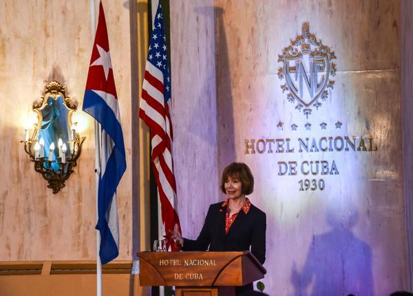 Vice gobernadora de Minnesota expresa desacuerdo con la política de Trump hacia Cuba