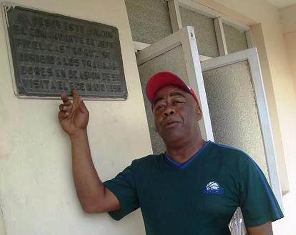 El holguinero Vicente Francis rememora sus recuerdos del 6 de Mayo de 1996. Foto Aroldo García