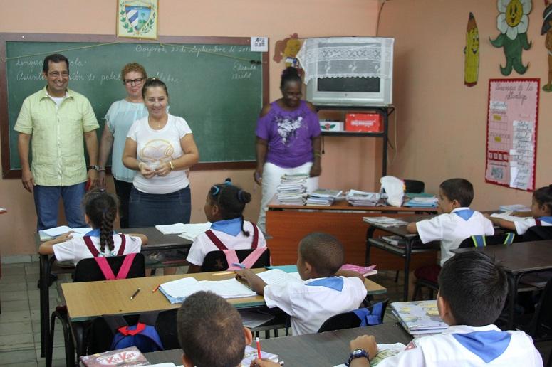 Visita Ad�n Ch�vez escuela Hugo Rafael Ch�vez Fr�as en La Habana