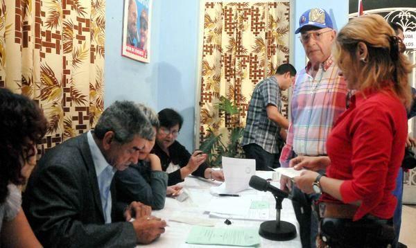 Votaciones en Cuba para la elección de diputados al Parlamento y a la Asamblea Provincial. Foto Oriol de la Cruz
