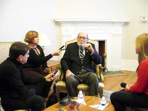 Ex diplomático norteamericano Wayne Smith, primer Jefe de la Sección de Intereses de Washington en La Habana
