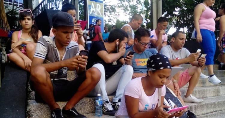 Cuba continúa en la informatización de la sociedad