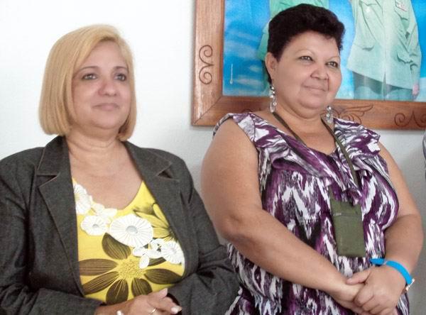 Primera secretaria del Comité Municipal del Partido en Guisa, Yolanda Almaguer y la presidenta del gobierno Glámides Noval. Foto Alhija Villalón