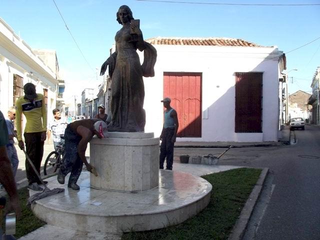 Tendr� La Avellaneda escultura en Camag�ey (+Audio y fotos)