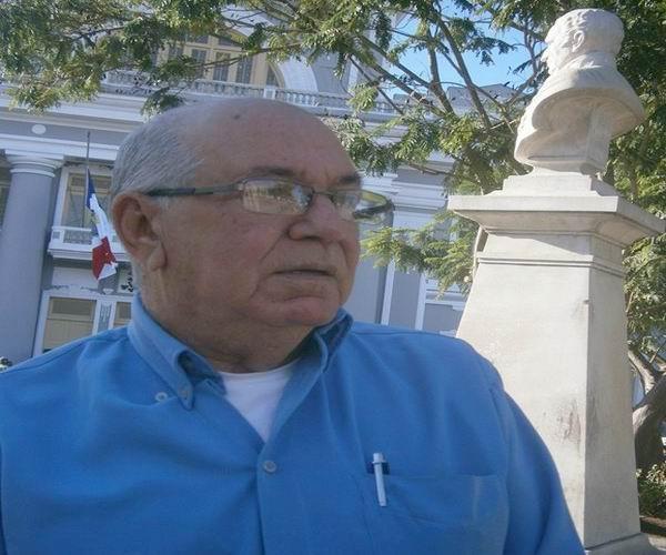 El trovador cienfueguero Lázaro García y la obra de Fidel