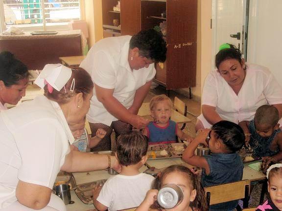 Alimentación balanceada en los círculos infantiles. Foto: Aroldo García