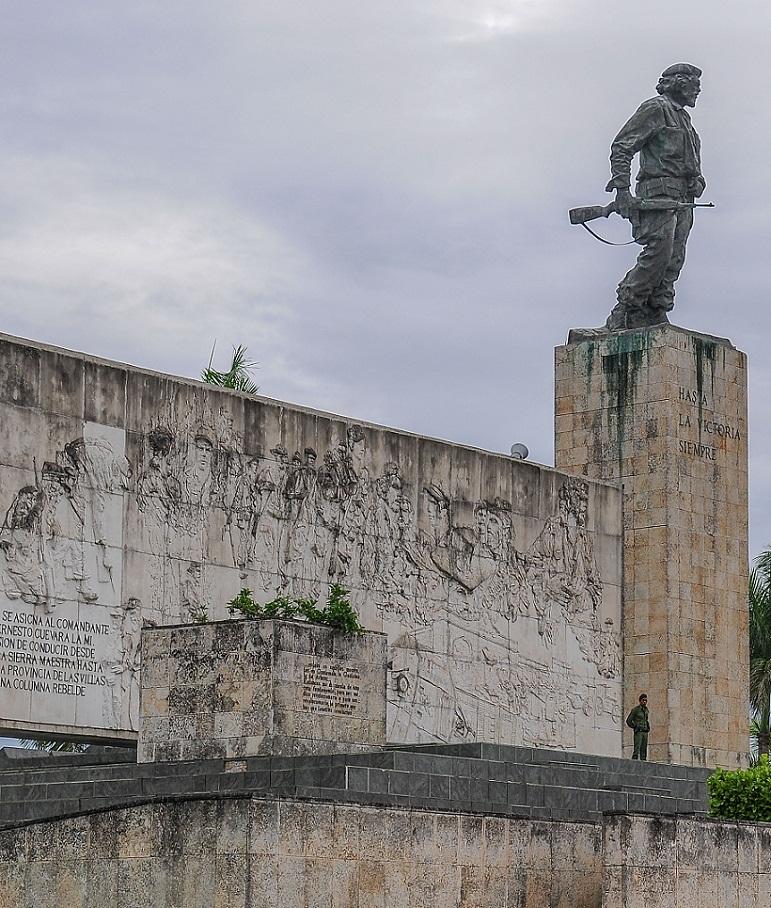 Mausoleos eternos para dos grandes hombres