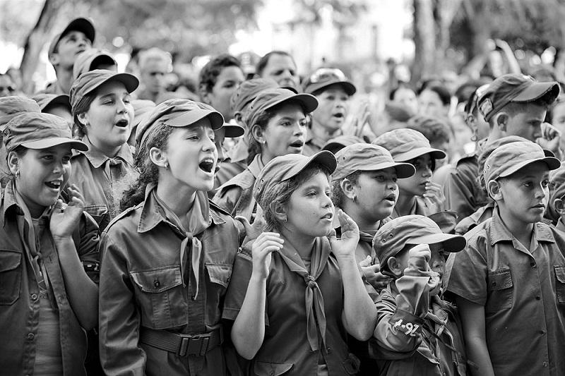 1961: Los pioneros y los jóvenes al frente de la Patria