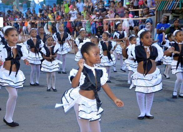 Se adueña de Santiago de Cuba la alegría de los que saben querer