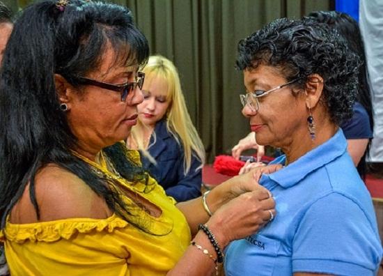 En Las Tunas acto nacional por el día del Comunicador (+Audio)