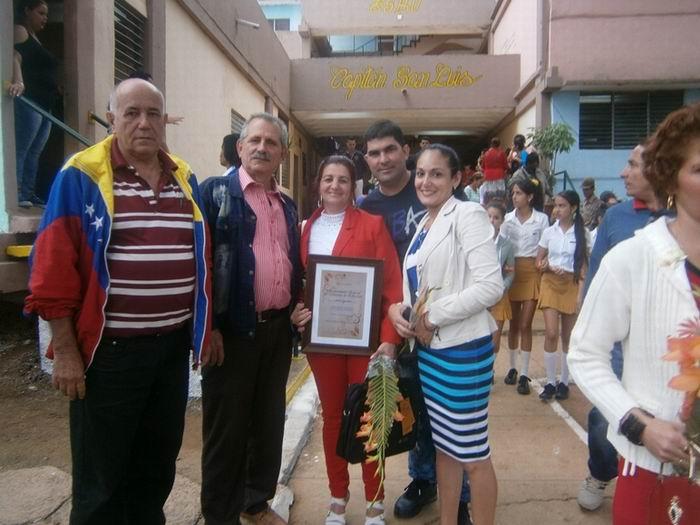 Distinguen por la Educación Cubana a maestros de Cienfuegos (+Fotos)
