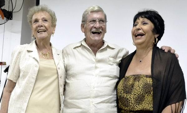 Reconocen a grandes de la cultura cubana