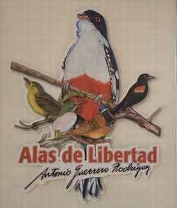 Inauguran en Holguín exposición de héroe antiterrorista
