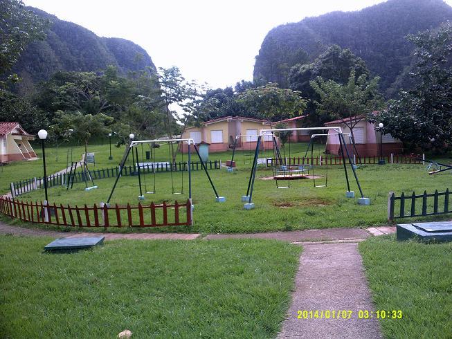 La instalación de campismo Dos Hermanas, en el municipio pinareño de Viñales, constituye una de las mejores opciones de esparcimiento a las puertas del verano.