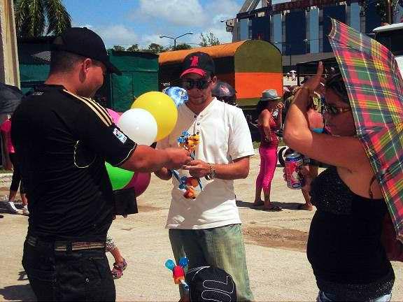 El Globero en el Carnaval infatil de Holguín. Foto Aroldo García