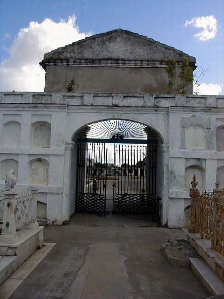 Cementerio de Reina de Cienfuegos. Foto: Mireya Ojeda