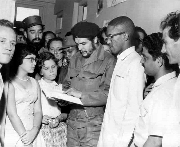 El Che publica en Verde Olivo el artículo Lucha contra el bandidaje