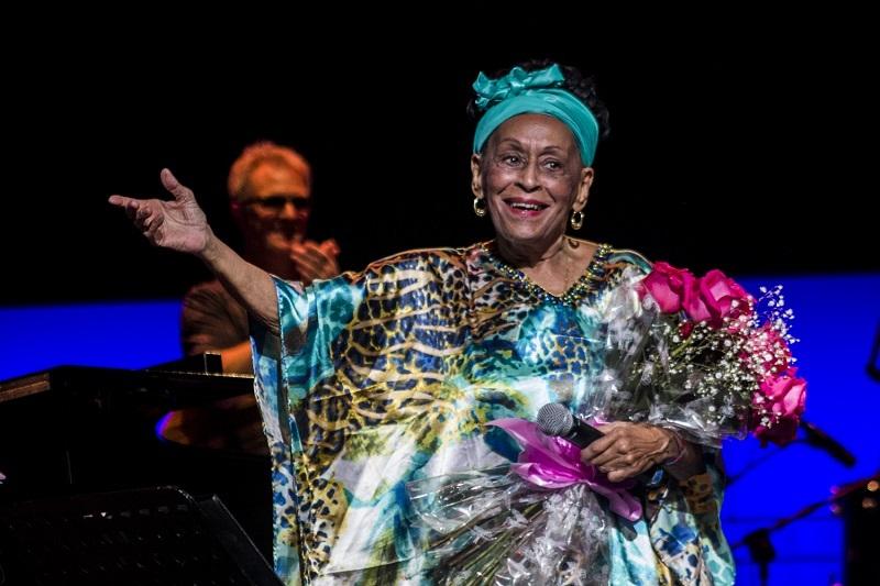 Danza Contemporánea de Cuba y Omara, cubanos en los Premios Lunas