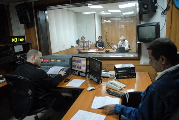Colectivo del Noticiero Nacional de Radio. Foto: Roberto Suárez