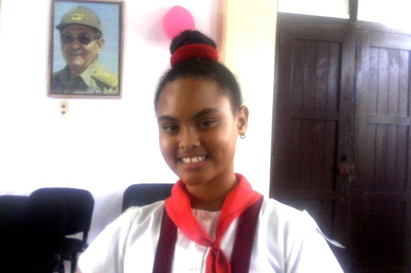 Estudiante recibe medalla en concurso sobre Historia de Cuba