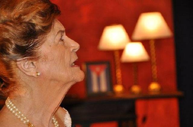 Escultura de Carilda Oliver prestigiará Museo de Cera de Bayamo