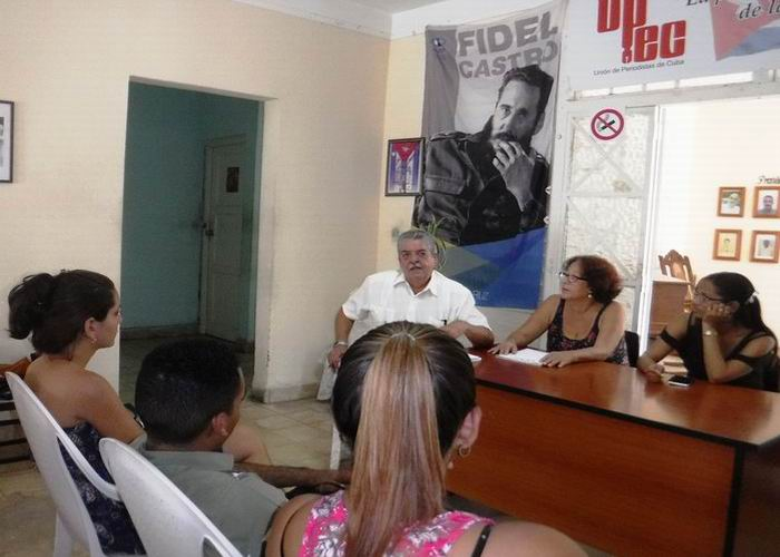 Recibe la UPEC santiaguera a nuevos estudiantes de Periodismo