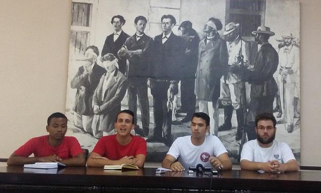 Mayo de congreso en las universidades (+Audio)