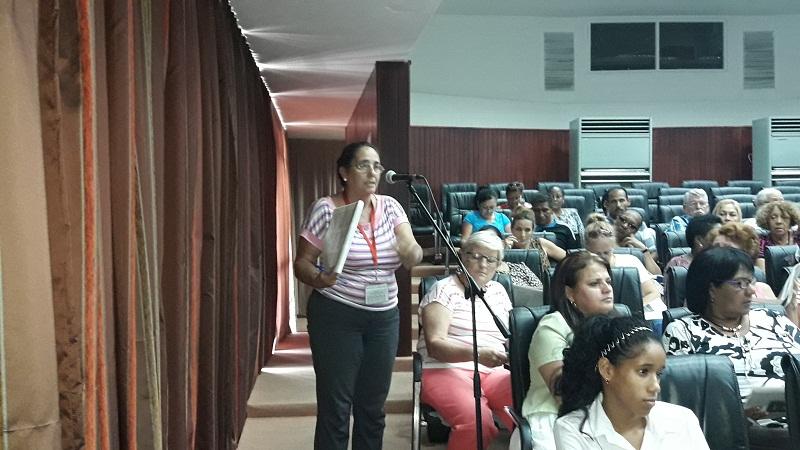 Directivos del MINED discuten el proyecto de Constitución en el país
