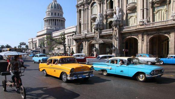http://www.radiorebelde.cu/images/images/cultura/cultura2/habana-autos.jpg