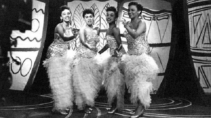 La pasión de cuatro mujeres todo música