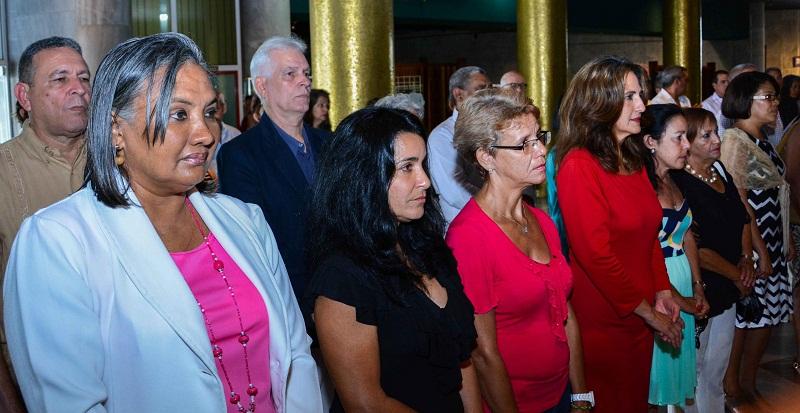 Entregan distinción Félix Elmuza a periodistas cubanos y extranjeros