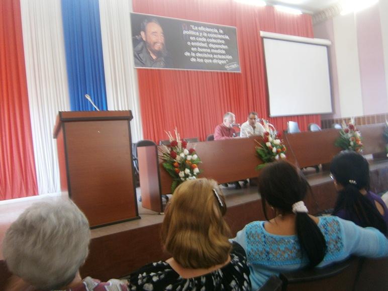 Presentan en Cienfuegos libro Hasta Siempre Fidel