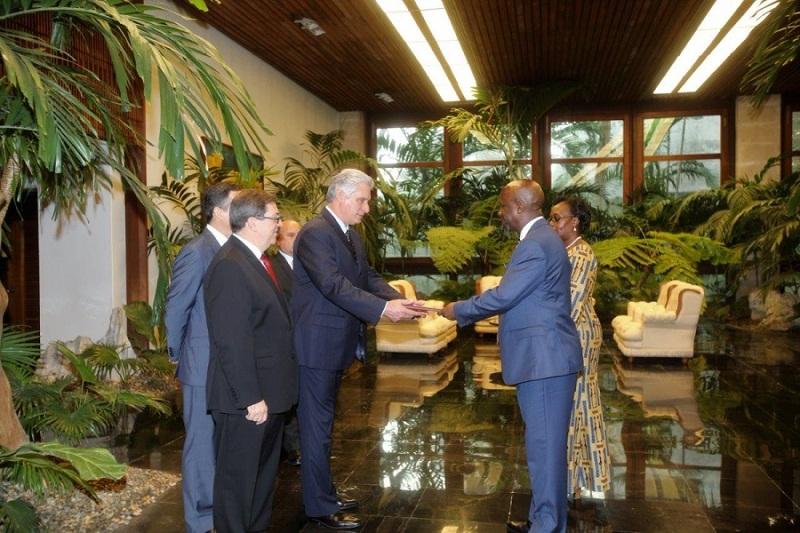 Díaz-Canel recibe Cartas Credenciales de nuevos embajadores en Cuba