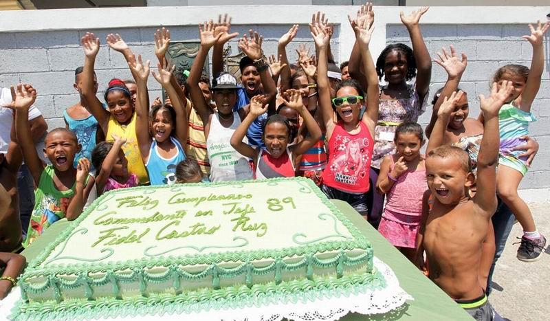 Gran cantata y conciertos en toda Cuba por el cumpleaños de Fidel