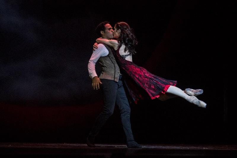 Laurretta Summerscales y Yonah Acosta, primeros bailarines del Ballet Estatal de Baviera