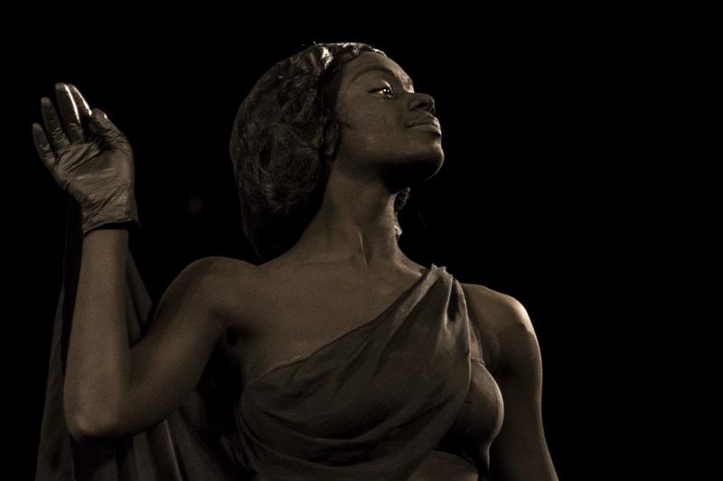 Los amores de Marte, Venus y Danza Contemporánea de Cuba