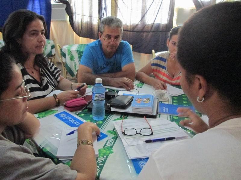 Reunión de coordinadores al final de cada jornada del Taller por la Infancia, diversidad y comunicación
