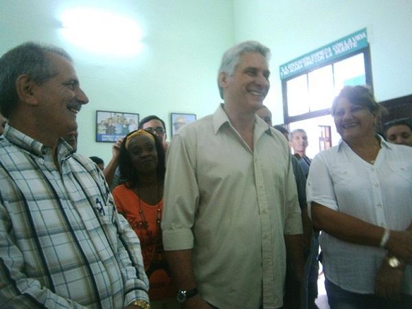 Miguel Díaz-Canel  dialoga con estudiantes de Cienfuegos