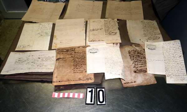 Valiosos documentos para el patrimonio matancero. Foto: José Miguel Solís
