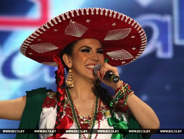 Premian autenticidad de cantantes latinos en Festival eslavo de Vítebsk
