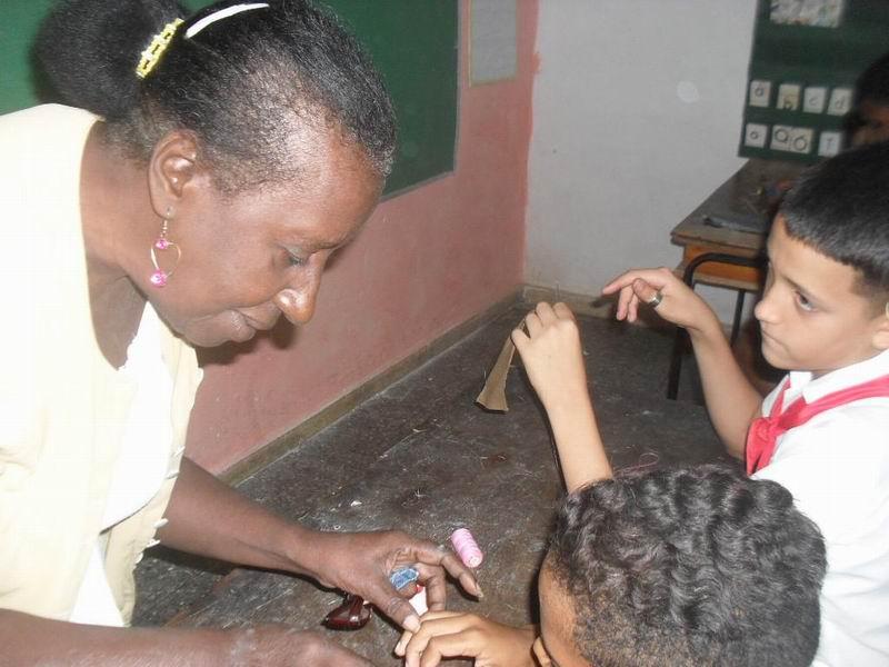 Dulce María Díaz  fue a alfabetizar con nueve años de edad . Foto: Teresa Valenzuela.