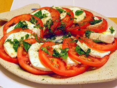 La Receta de hoy: Ensalada de Tomate y queso