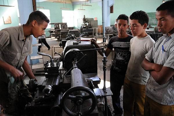 Oferta nuevas carreras la Ense�anza T�cnico-Profesional en Cuba