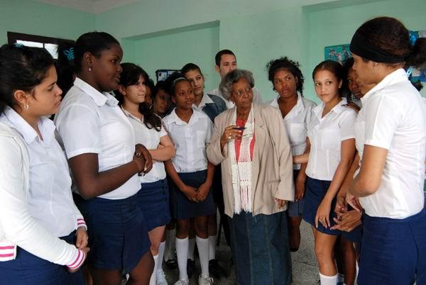 Fomentan en Cuba la formación integral de los maestros